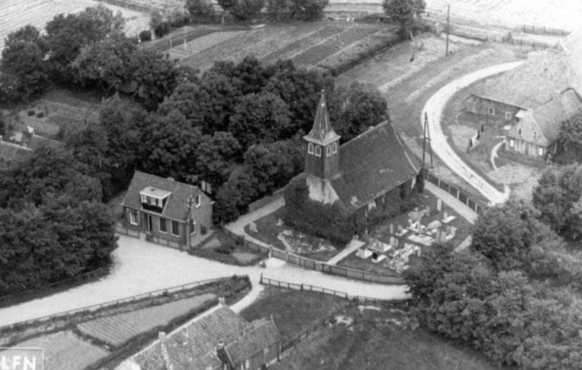Kerkje en Nynke's Pleats, Piaam ca. 1950
