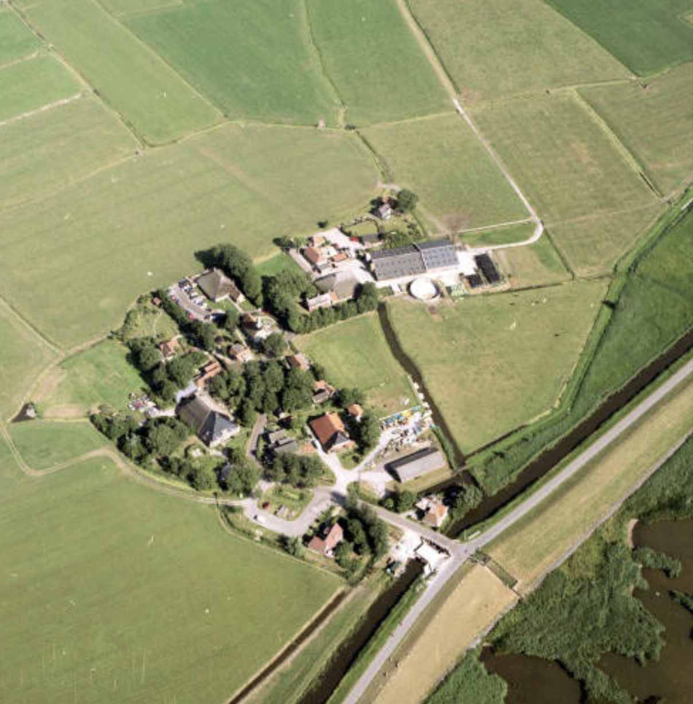 Piaam luchtfoto ca. 1990